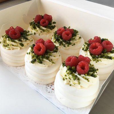 14 февраля пирожное